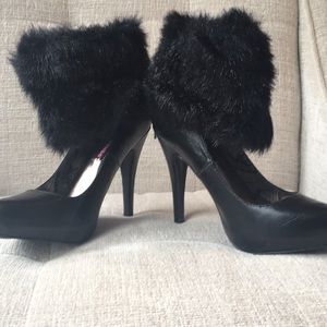 Dollhouse Faux fur anklet pumps